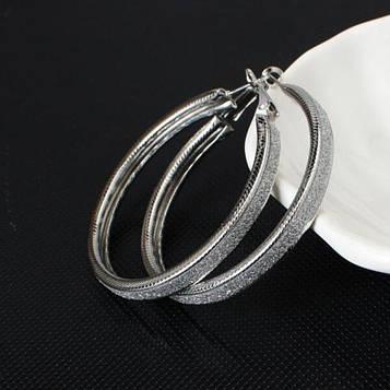 Серьги кольца женские серебристые код 125