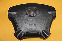 Подушка безопасности водителя и пассажира на HONDA CR-V 2002-2006.