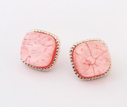 Серьги с розовым камнем