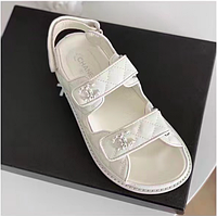 Женские белые кожаные сандалии Шанель Chanel кожа летние босоножки 2021 сандали на низком ходу