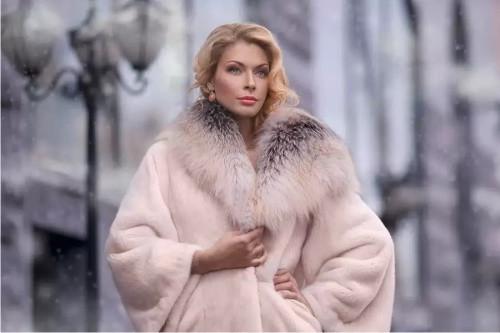 4f12dbad7a36cf Український жіночий верхній одяг - кращий з кращих!. Статьи компании ...