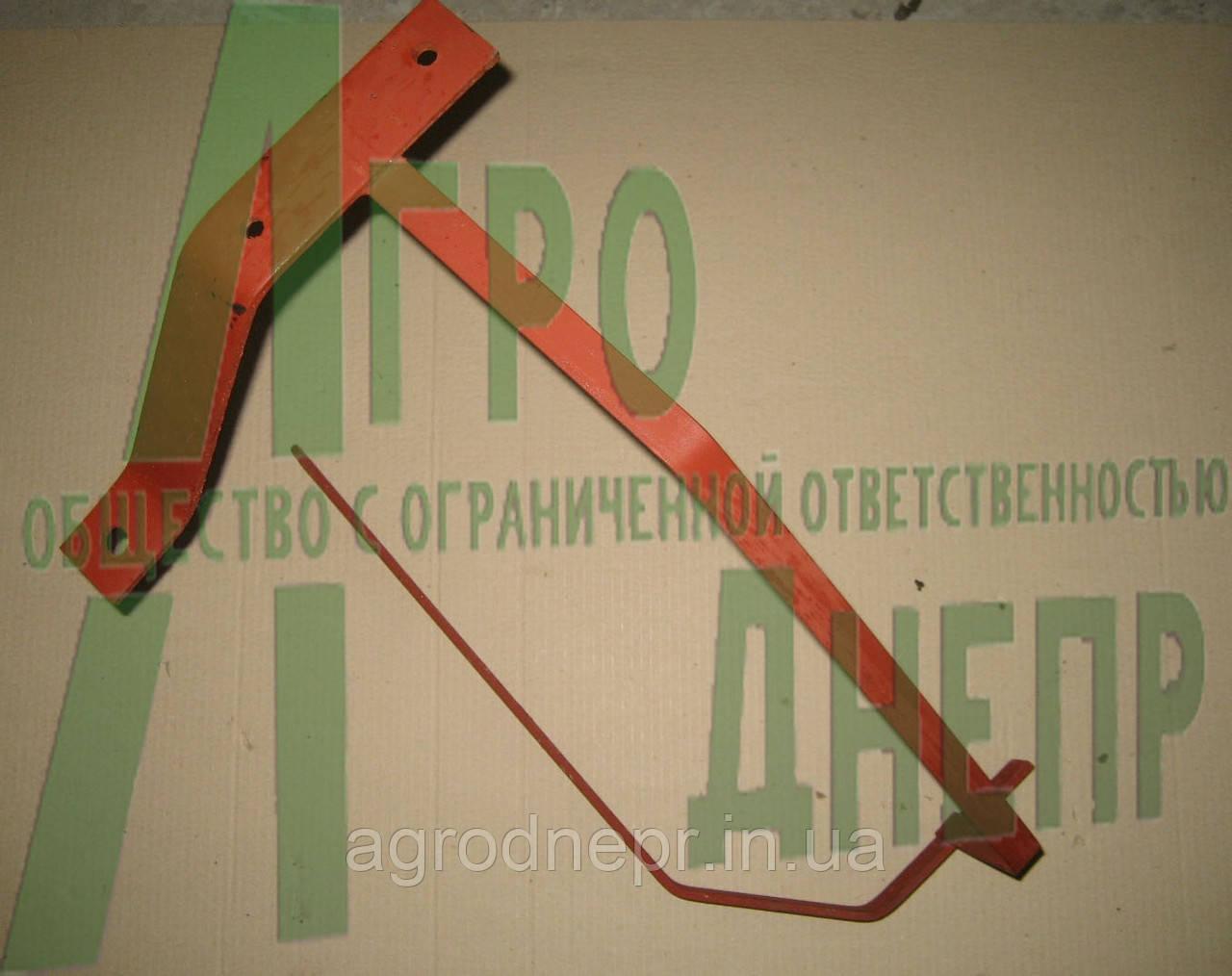 Каркас (кронштейн) крыла переднего ЮМЗ правого 45-8403020-Б СБ