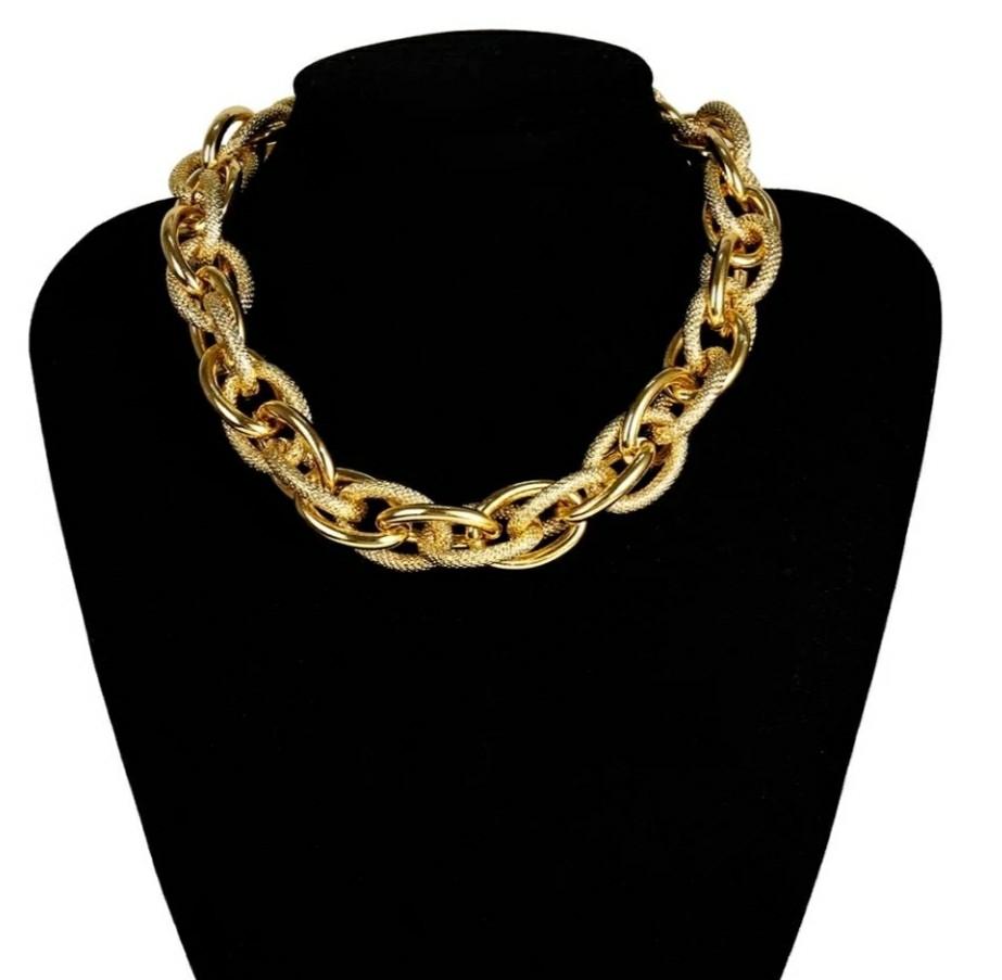 Эффектное объемное ожерелье-цепь
