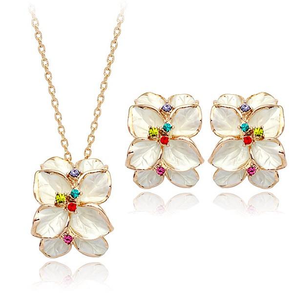 Комплект БЕЛАЯ ЛИЛИЯ ювелирная бижутерия золото 18К декор кристаллы Swarovski