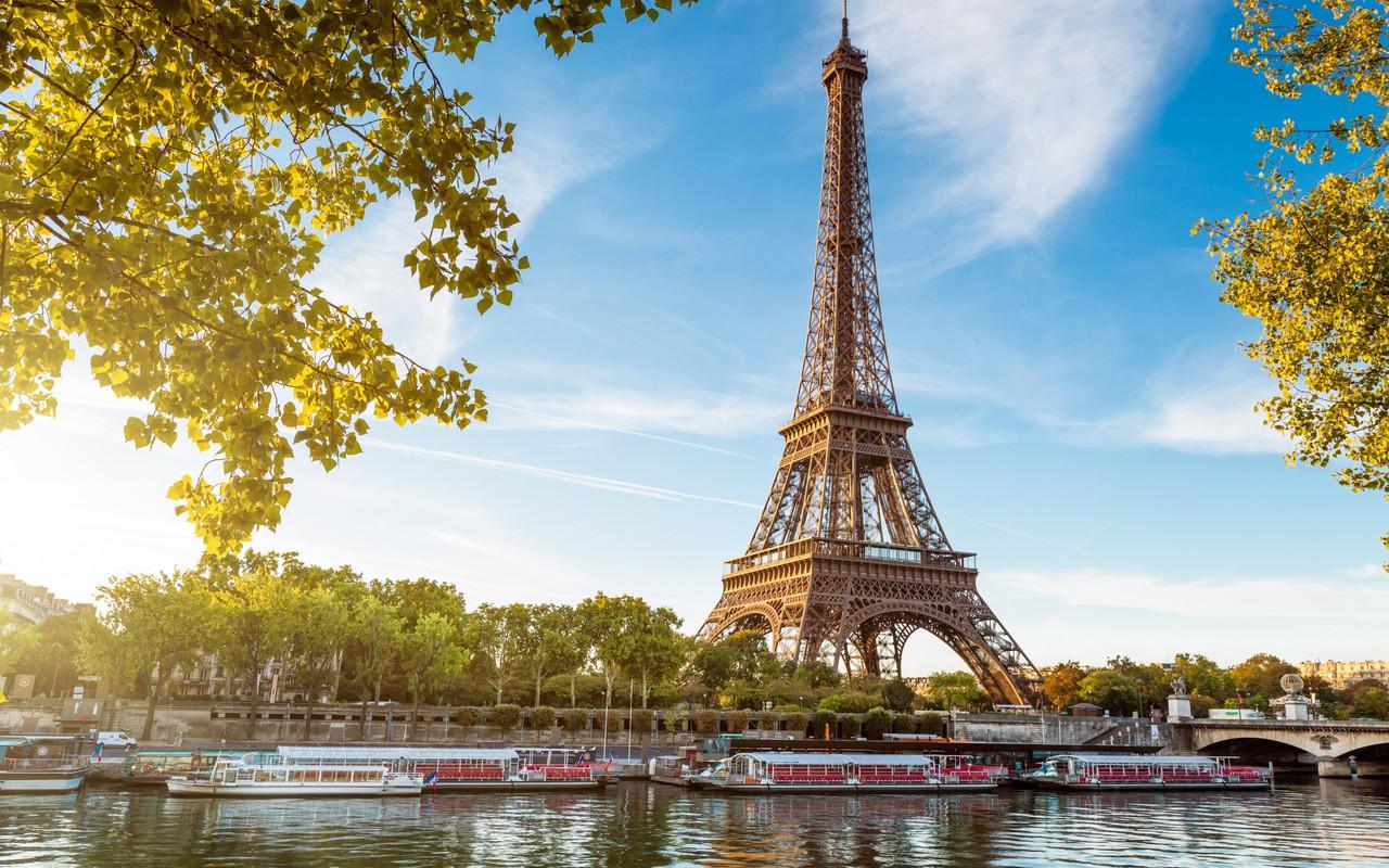 """Картина на стекле """"Eiffel Tower Landscape"""""""