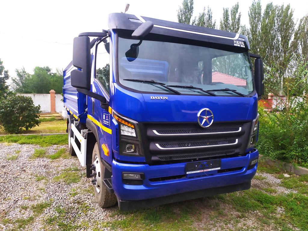 Производство и замена лобового стекла триплекс на грузовике DAYUN CGC 1140 в Никополе (Украина).