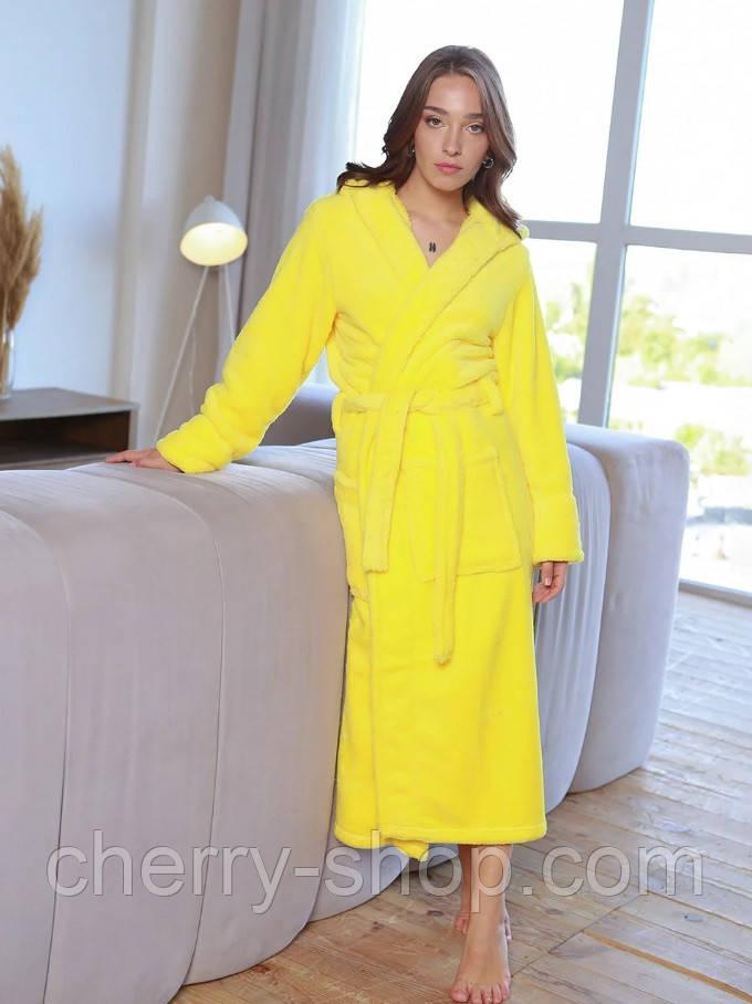 Яркий женский махровый халат в желтом цвете