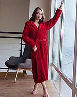 Длинный женский махровый халат в стильном цвете бордо