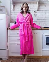 Махровый женский халат с капюшоном в розовом цвете