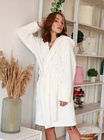 Очень нежный красивый женский халат в цвете крем