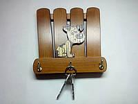 Ключница из дерева на 3 ключа