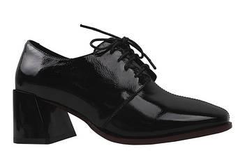Туфлі на шнурівку