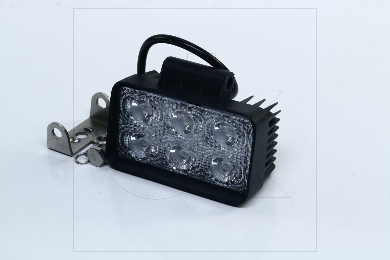 Фара LED прямоугольная 18W, 6 ламп, 110*114,5мм, широкий луч