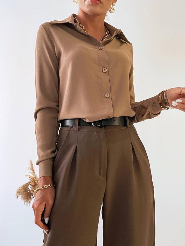 Классическая женская рубашка в деловом стиле