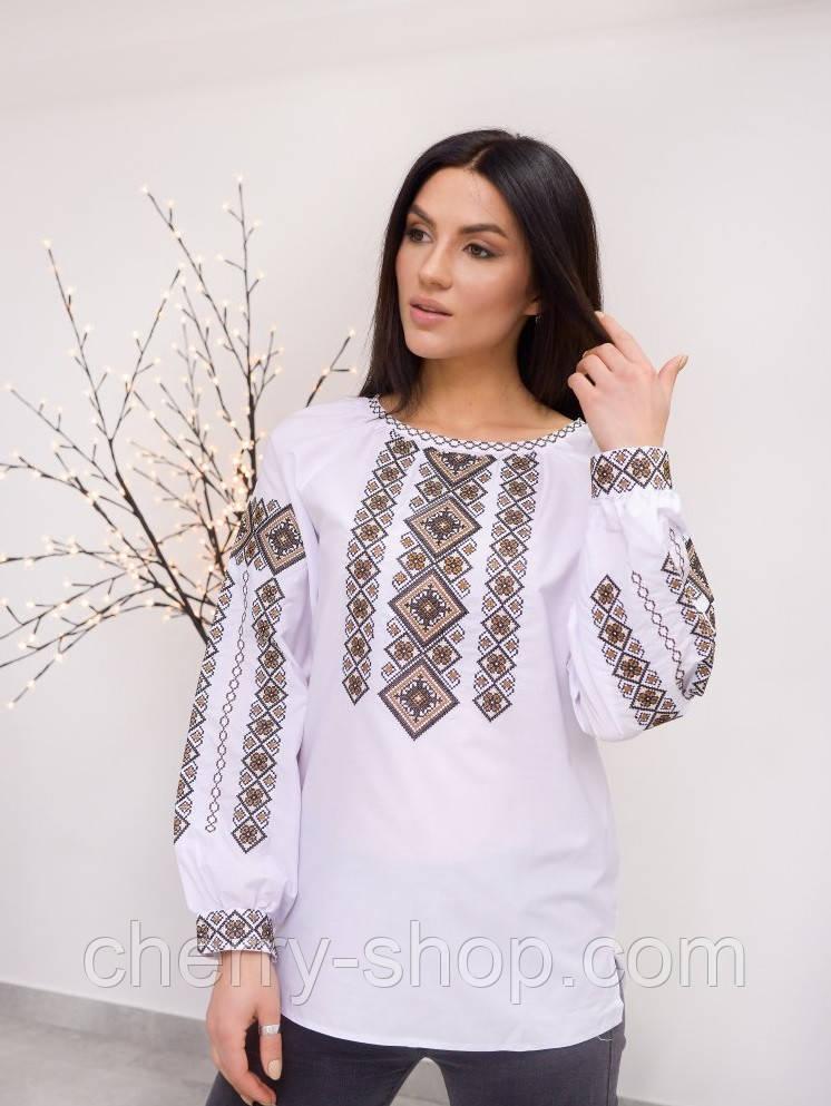 Красива жіноча вишита блуза з орнаментом