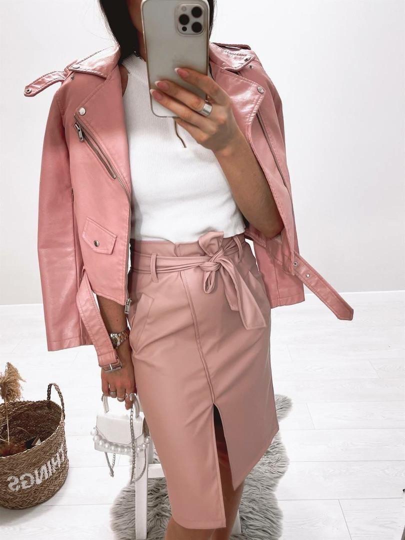 Кожаная розовая юбка