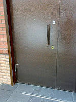 Стальные двери в подъезд