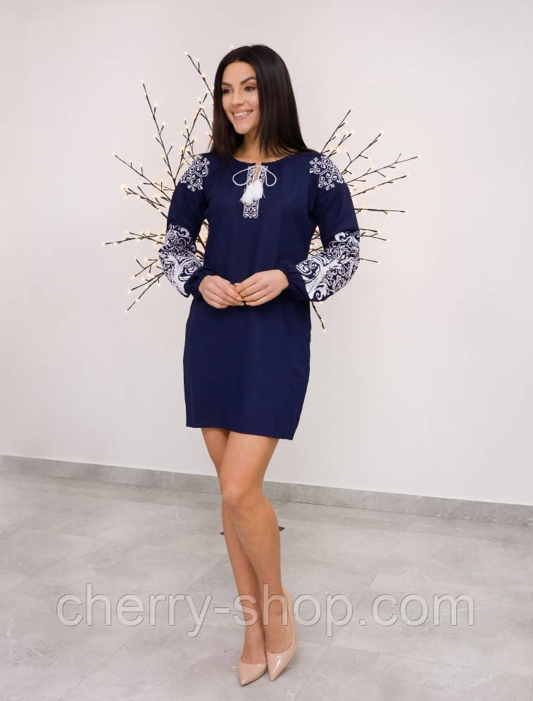 Жіноча вишита сукня з 100 % льону