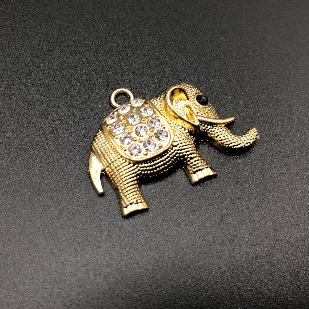 Слон. Цвет золото. С камушком. 40х30мм