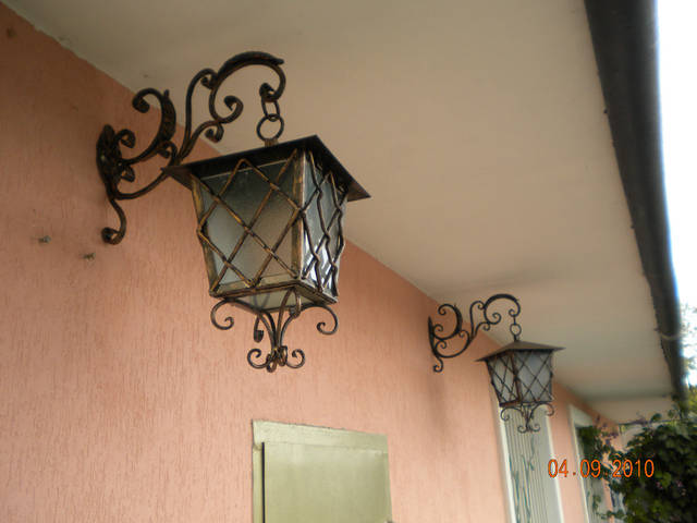Кованые уличные фонари 10