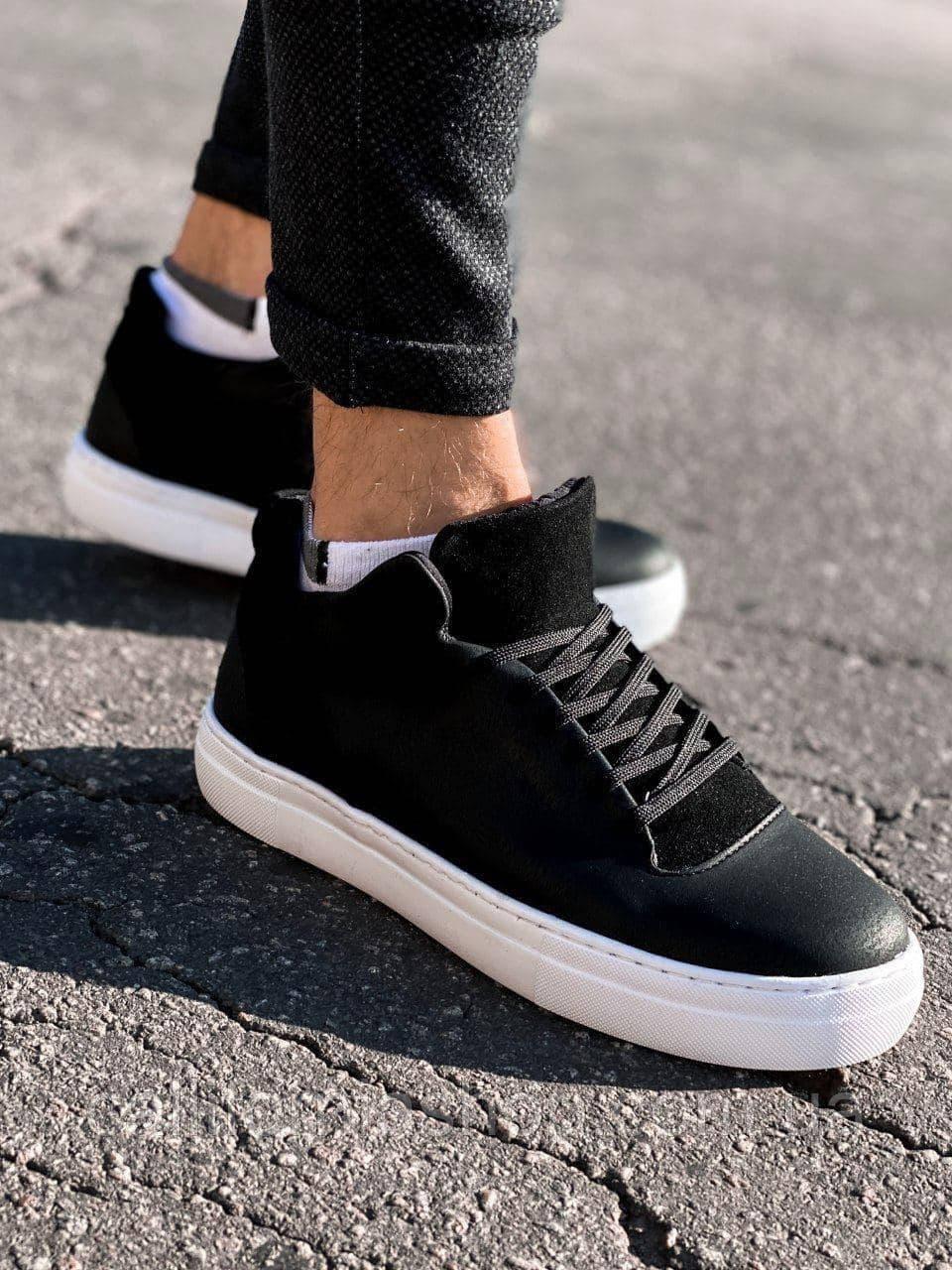 Мужские кроссовки черные кожаные на белой подошве