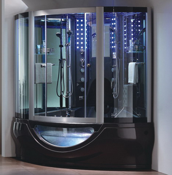 Ванна, совмещенная в душевой кабиной – решение для большой головоломки.