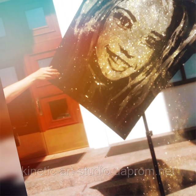 танцующий художник золотая пыль