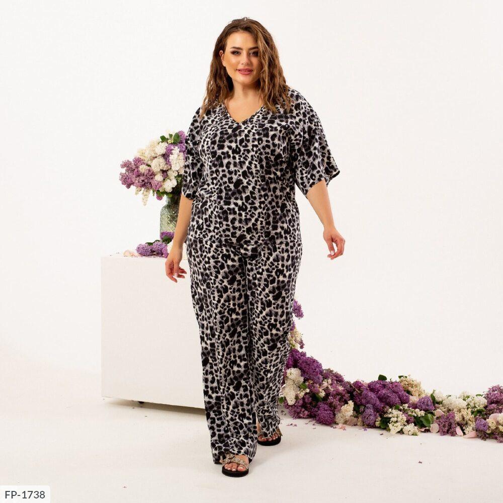 Жіночий прогулянковий костюм з леопардовим принтом (Батал)