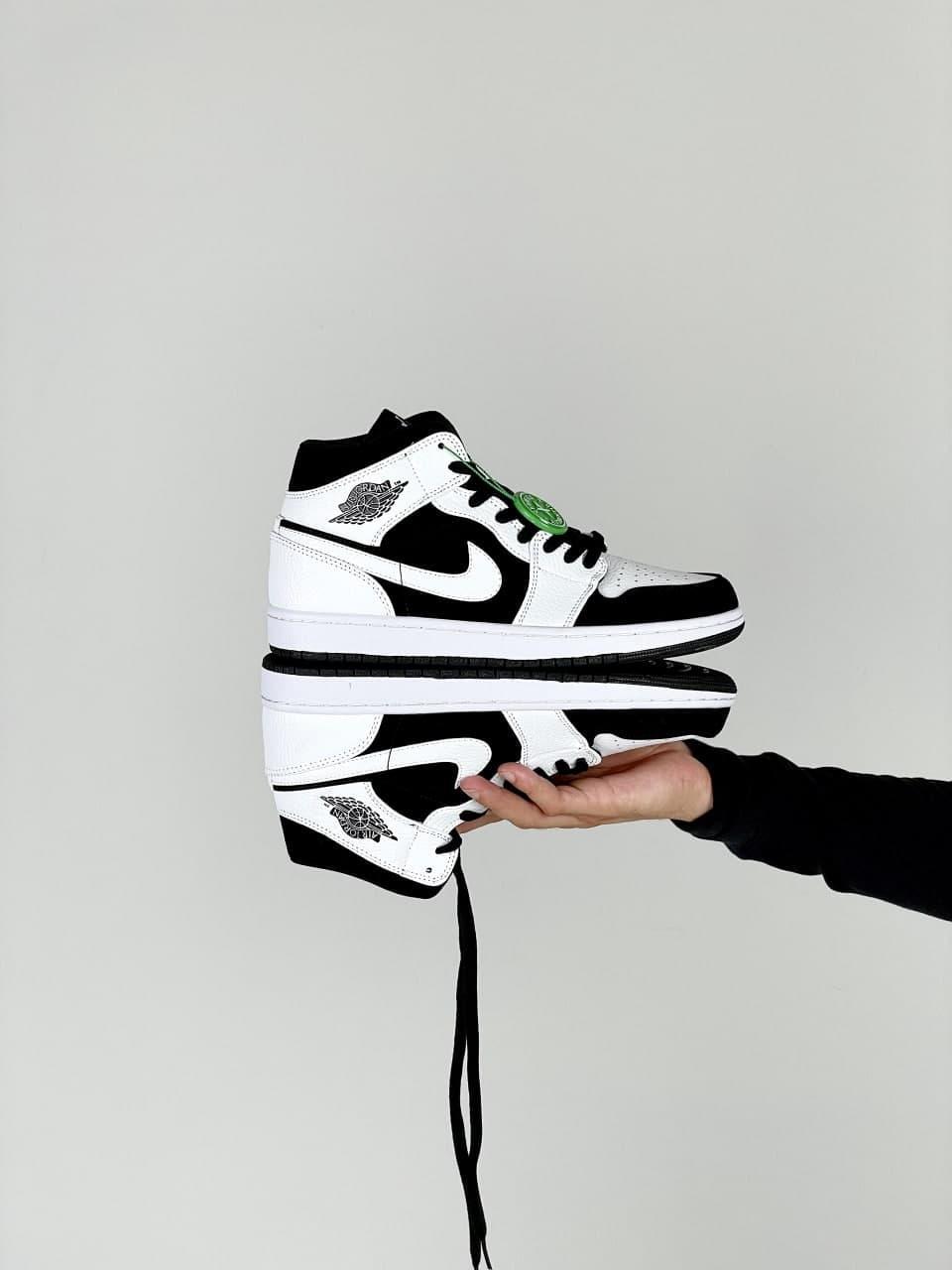 Жіночі кросівки Nike Air Jordan 1 Retro (біло-чорні) J3201 стильні кроси