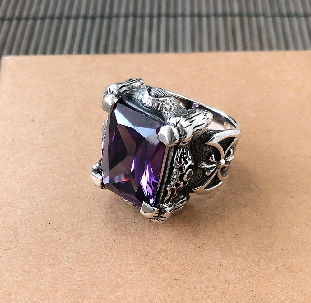 Серебряный перстень кольцо с камнем