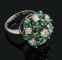 Кільце з білого золота з діамантами і смарагдами С45Л1№38