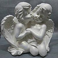 Пара объятья с поцелуем 25*28*12 (белый)