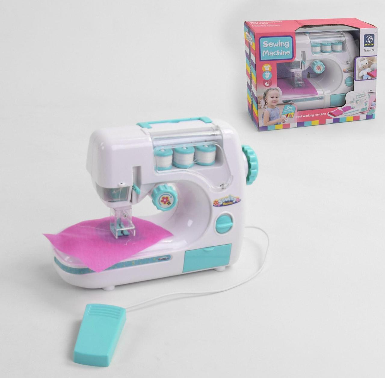 Игрушечная швейная машина 7920 с автоматической педалью и световыми эффектами, нитки в комплекте