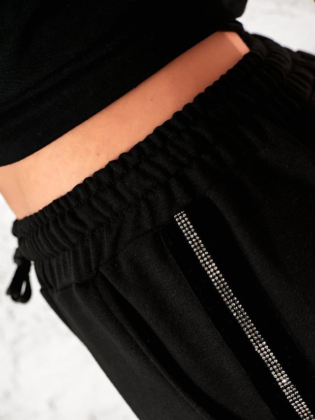 Спортивные брюки для женщин с поясом на резинке и стразами