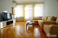 Квартира на Малой Житомирской, 3х-комнатная (99023)
