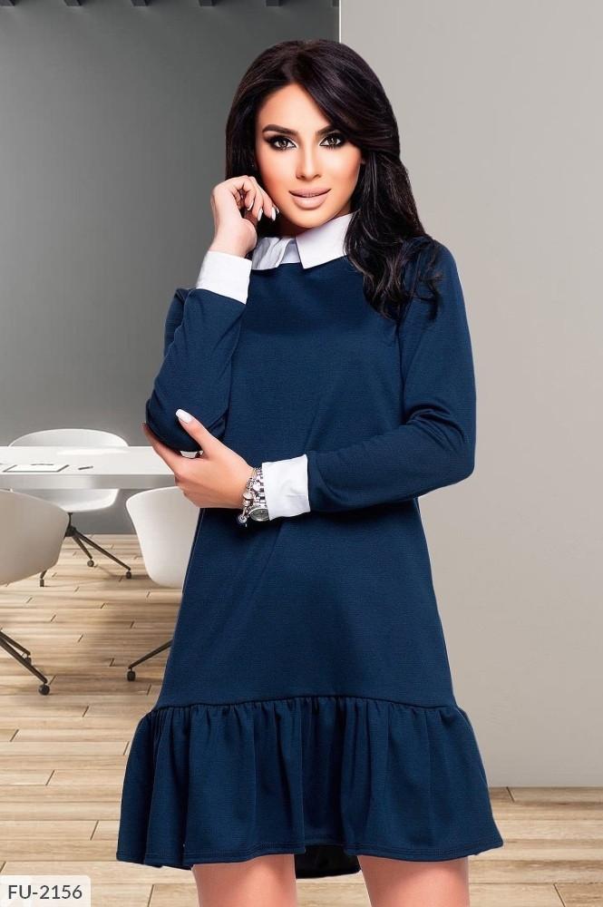 Стильное деловое трикотажное платье свободного кроя трапеция с воротником и воланом по низу юбки арт. 780