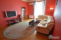 Хорошая квартира на Бессарабской площади, 3х-комнатная (98055)