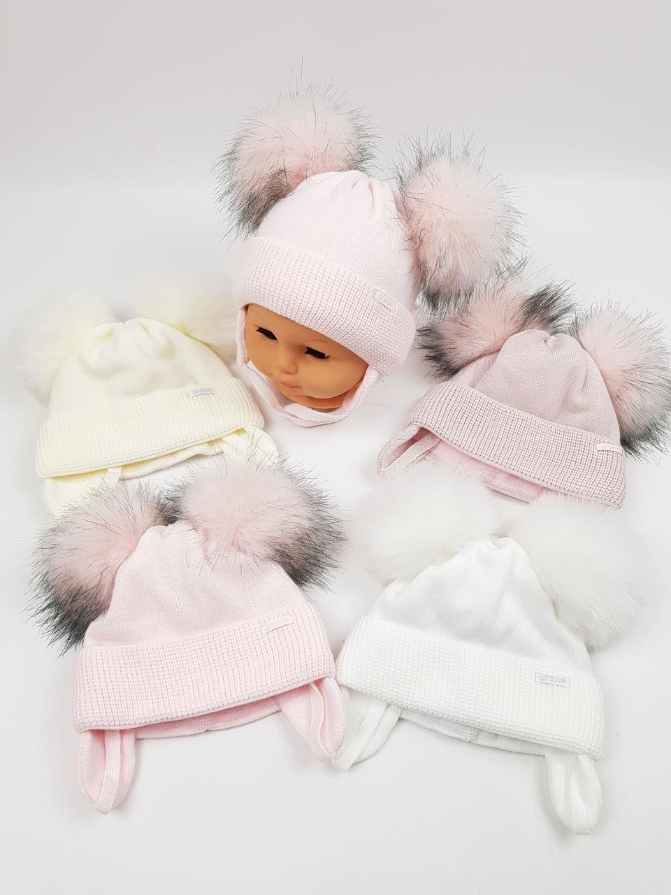 Дитячі польські зимові в'язані шапки на флісі з завязками і помпоном оптом для дівчат, р.38-40, Grans