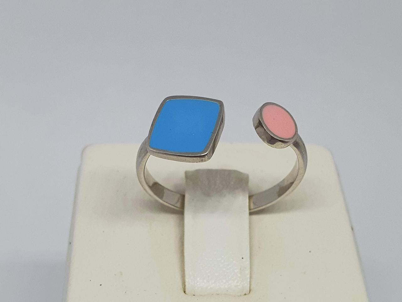Серебряное кольцо с эмаллю. Артикул 10192Р