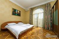 Видовая квартира на Крещатике, 3х-комнатная (62331)