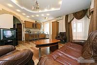 Комфортная квартира возле Майдана, 3х-комнатная (23663)