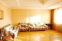 Большая квартира возле метро Харьковская, 3х-комнатная (63367)