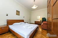 Современная квартира на Крещатике, 2х-комнатная (96956)