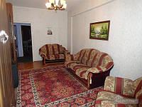 Квартира возле метро Дружбы Народов, 2х-комнатная (10705)