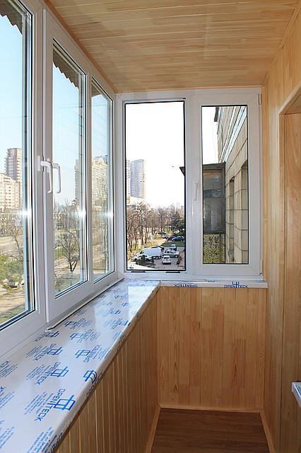 внутренняя обшивка балкона (сосна)