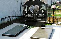 Памятник двойной из черного гранита с воздушным сердцем