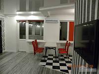 Посуточно Премиум квартира в самом центре, 2х-комнатная (82072)