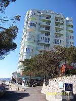 Апартамент в элитном жилом комплексе с видом на Ай-Петри, 2х-комнатная (13443)