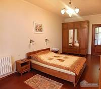 Квартира на центральной улице, 2х-комнатная (38076)
