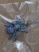 Кулон паук в стразах на длинной цепочке